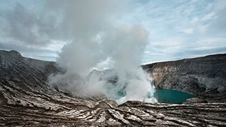 andrea-frazzetta-sony-alpha-7RII-geyser-billowing-steam