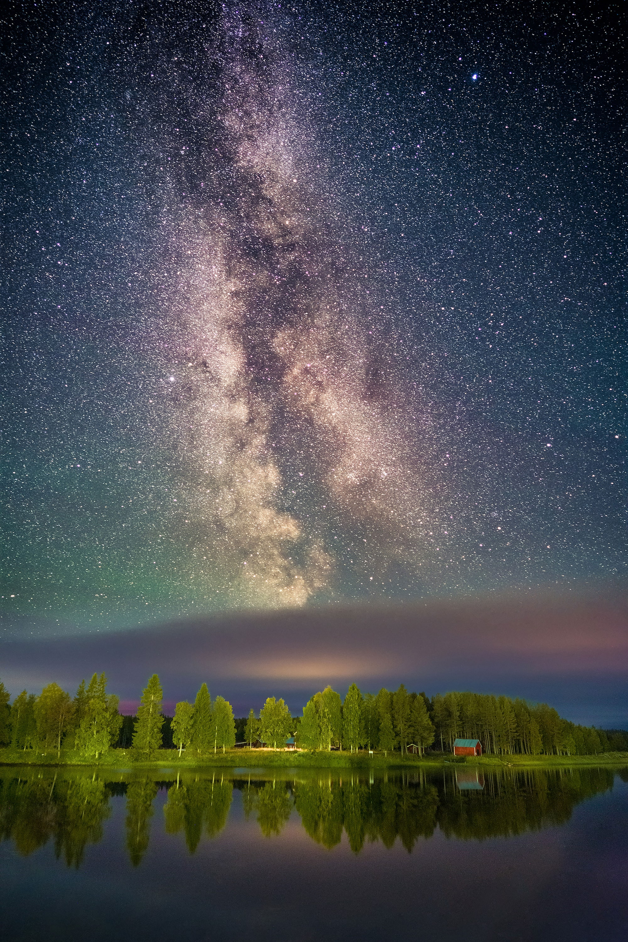 michael schaake sony alpha 7RIII the milky way sparkling above a forest