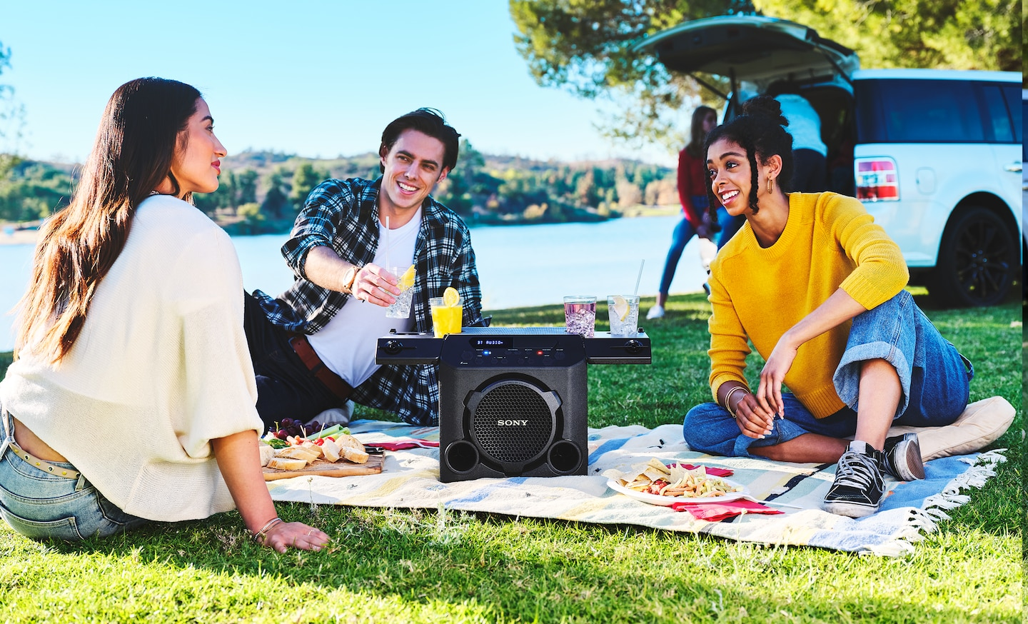 Lifestyle image of GTK-PG10 in an outdoor environment